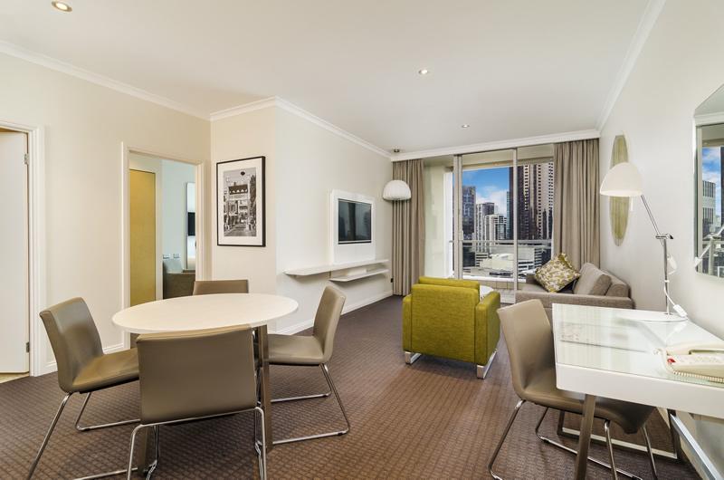 melbourne suites melbourne hotel rooms clarion suites gateway