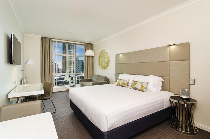 Clarion Suites Gateway Riverview room